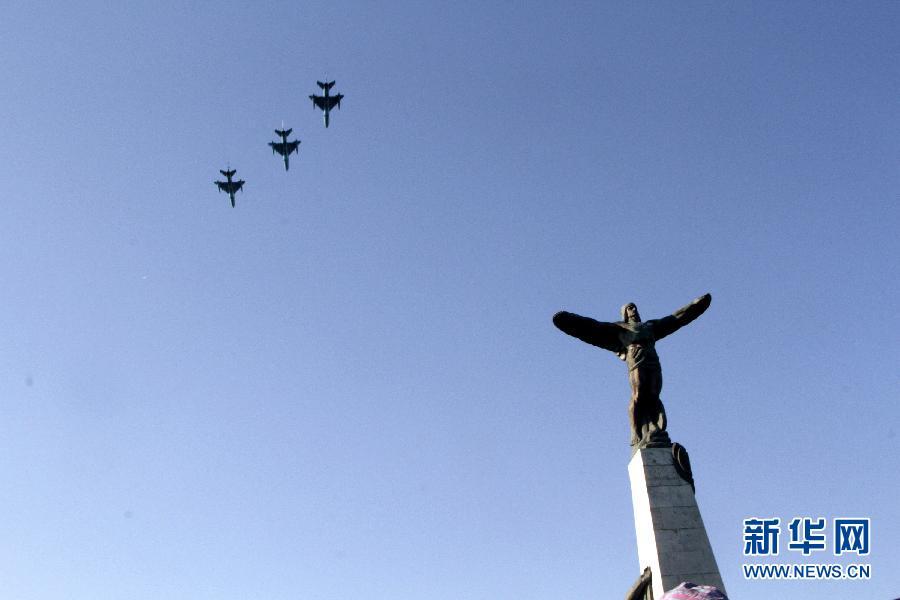 罗马尼亚庆祝空军节(高清组图)