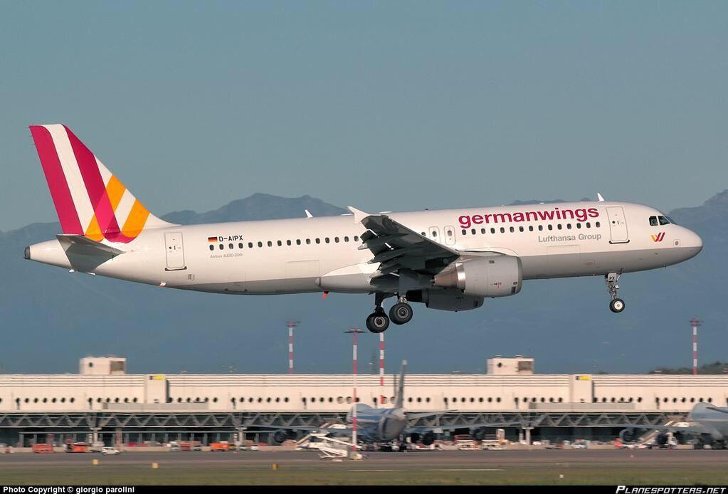 德国之翼一架A320坠毁在法国南部(高清组图)