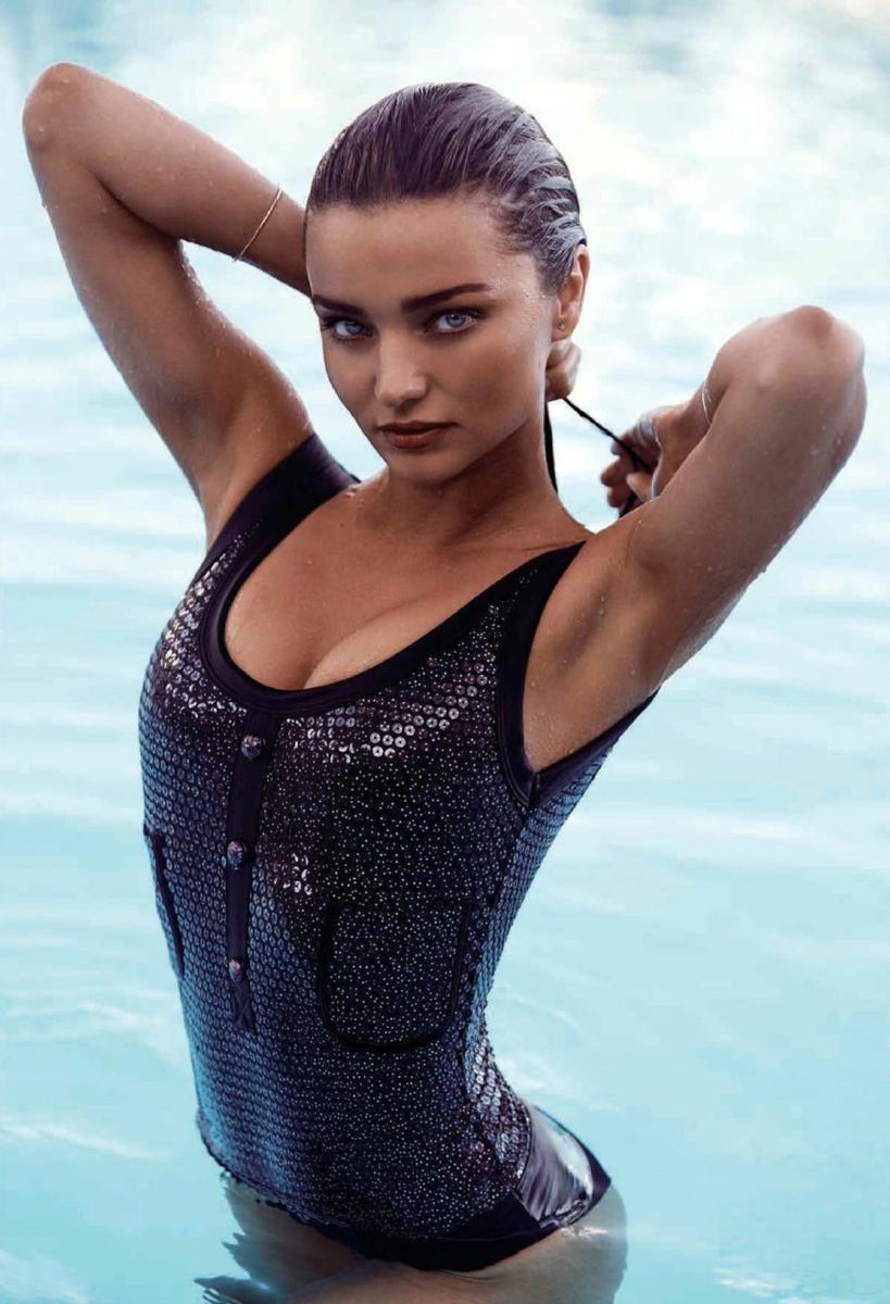 超模米兰达·可儿性感比基尼泳装大玩湿身诱惑(组图)