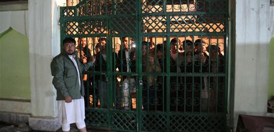 阿富汗兩座清真寺遭襲致多人喪生