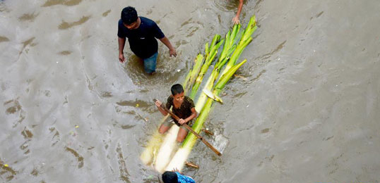 孟加拉國連日降雨 首都嚴重內澇