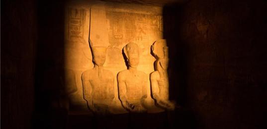 日光節奇蹟閃耀埃及阿布·辛拜勒神廟